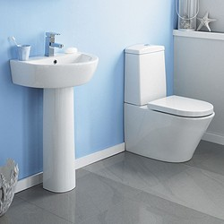 Crown Ceramics Solace 4 Piece Bathroom Suite With 550mm Basin (1 Tap Hole).