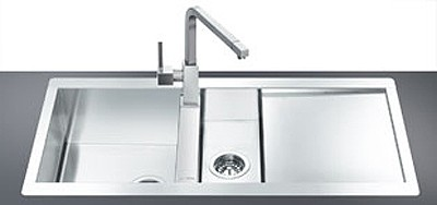 1.5 Bowl Stainless Steel Flush Fit Sink, Right Hand Drainer. Smeg ...